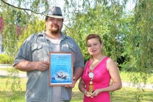 победители в номинации «Музыкальная семья»  - Иван и Алеся Русецкие
