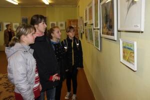 Выставка детских рисунков  «Вясёлка на палітры» проходит в районном Центре ремесел