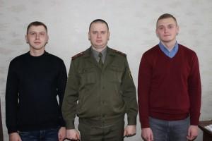 Отслужили с честью и вернулись шарковчане Виталий Ананич и Денис Правдовицкий