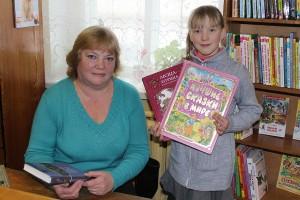 Всегда знает, какую книгу посоветовать своим читателям библиотекарь детской библиотеки Ольга Лукьяненок