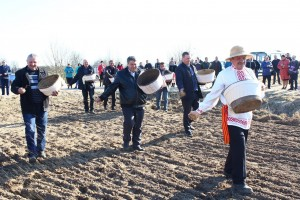 13 красавіка у межах семінара-нарады на базе КУВСП «Гарадзец» прайшлі раённыя Засеўкі