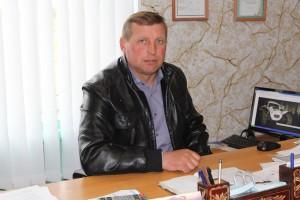Руководитель ОАО «Ельня-Агро», депутат районного Совета депутатов 28-го созыва Михаил Николаевич Якимович  30 апреля отметит свой 45-летний юбилей.