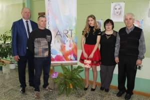 Открытие выставки юной художницы Маргариты Анисько в Великосельской арт-галерее