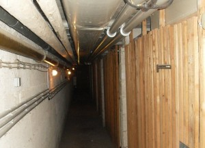 Коммунальщики будут отключать свет в личных ячейках в подвалах многоэтажек