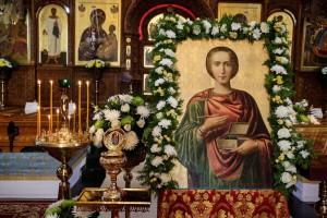 24 мая в Шарковщинском районе будет пребывать икона святого великомученика и целителя Пантелеймона с частицей его мощей.