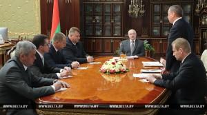 Лукашэнка разгледзеў кадравыя пытанні