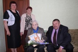 Делегация нашего района навестила ветерана войны Г. М. Адаменка проживающего в Миорах