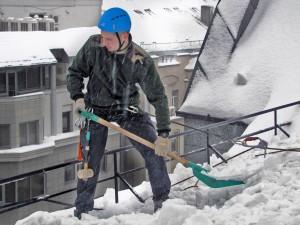 Требования законодательства к содержанию территорий, зданий и сооружений в зимний период