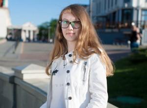 Девушка 18 лет страдает от лимфангиомы. Помогите ее вылечить!